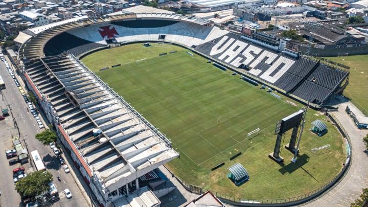 Um dos maiores goleiros da história do Vasco, Moacir Barbosa Nascimento completaria 100 anos neste sábado (27). Veja homenagens.