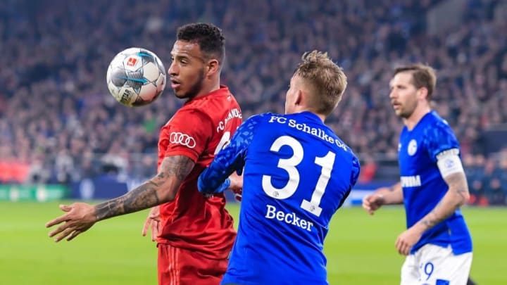 Corentin Tolisso gegen Schalke in Aktion