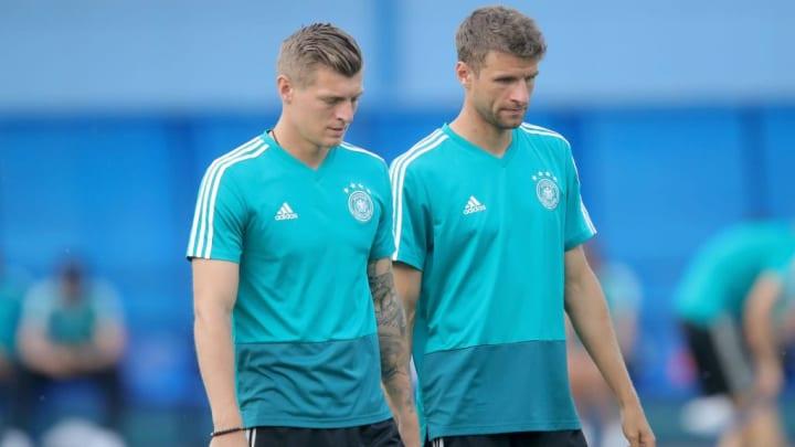 Eine Weile her, dass Toni Kroos und Thomas Müller zusammen für Deutschland auftraten