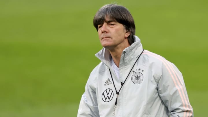 Joachim Löw cairia bem no Barcelona, mas melhor nome para o momento é Ronald Koeman.