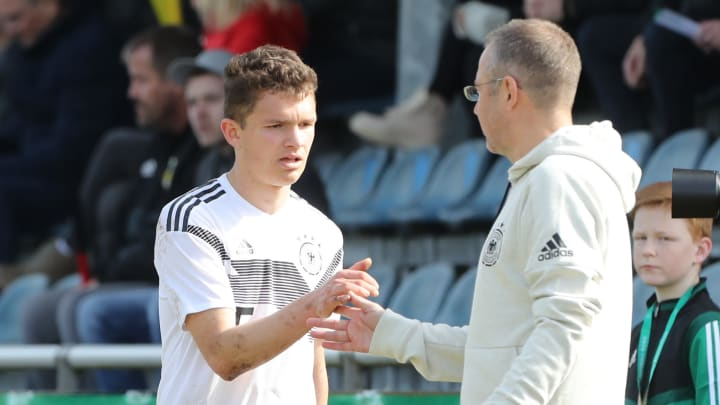 Jordan Meyer im Dress der U17-Nationalmannschaft