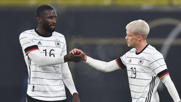 Philipp Max (r.) feierte gegen Tschechien sein (Assist-)Debüt für die DFB-Elf