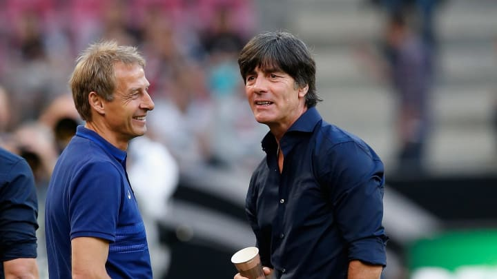 Jürgen Klinsmann (l.) & Joachim Löw sind aktuell beide vereinslos