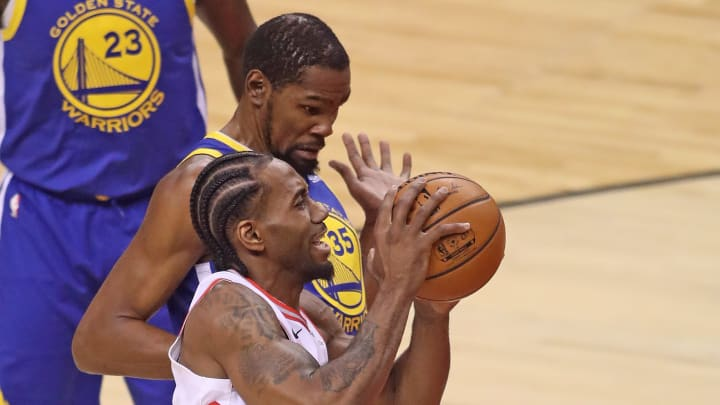 TORONTO,ONTARIO - JUNE 10:  Kawhi Leonard #2 of the Toronto Raptors plays against Kevin Durant #35 of the Golden State Warriors during Game Five of the 2019 NBA Finals at Scotiabank Arena on June 10, 2019 in Toronto, Canada. NOTE TO USER: User expressly acknowledges and agrees that, by downloading and or using this photograph, User is consenting to the terms and conditions of the Getty Images License Agreement. (Photo by Claus Andersen/Getty Images)