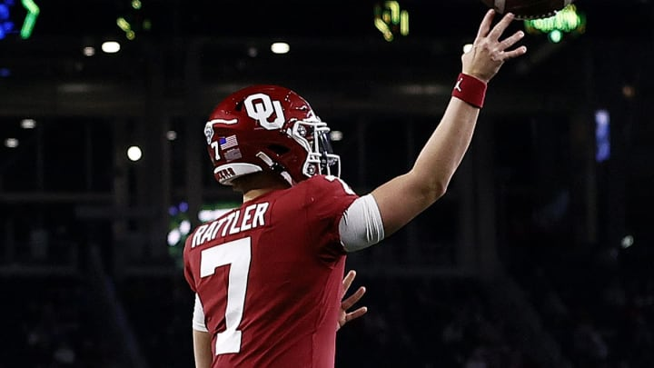 Oklahoma fans will love PFF's recent early preseason college football power rankings for the 2021-22 campaign.