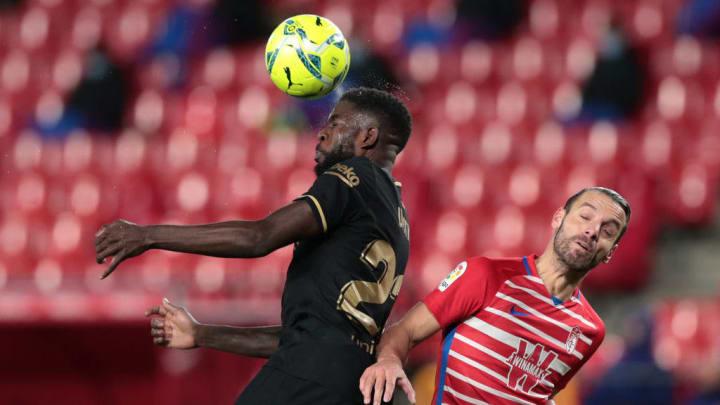 Samuel Umtiti battling with Roberto Soldado