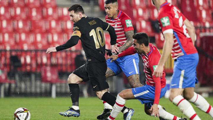 Barça e Granada se enfrentam em partida atrasada da 32ª rodada de LaLiga.