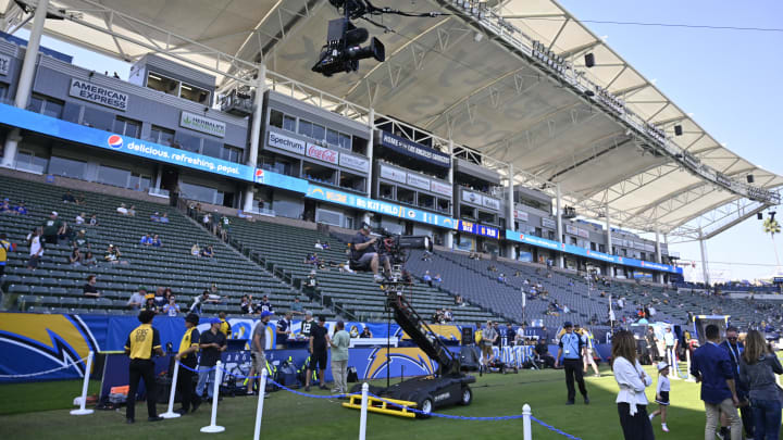 Chargers Fans Bought 40 000 Tickets To Game In Mexico City Despite Awful Home Attendance In La