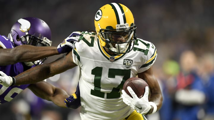 MINNEAPOLIS, MN - NOVEMBER 25: Davante Adams #17 of the Green Bay Packers catches the ball for a 15 yard touchdown in the first quarter of the game against the Minnesota Vikings at U.S. Bank Stadium on November 25, 2018 in Minneapolis, Minnesota. (Photo by Hannah Foslien/Getty Images)