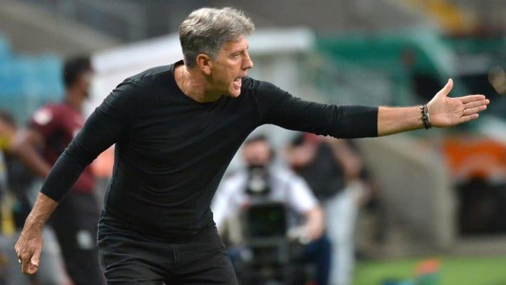 Renato Gaúcho identificou uma falha grave no Flamengo da 'era Ceni'. Erro prejudicou BH e Éverton Ribeiro.