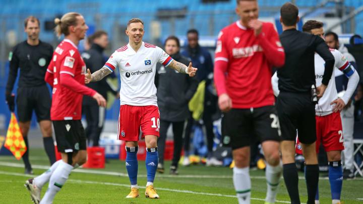 Sonny Kittel bei seinem Platzverweis gegen Hannover 96