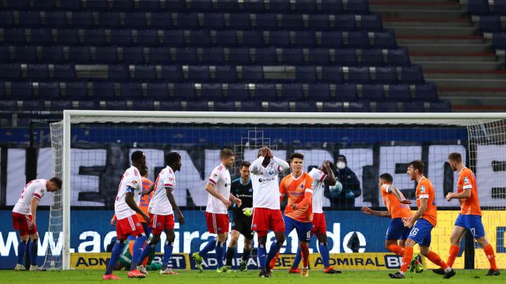 Auch die letzte Chance (durch Kinsombi) wurde vergeben - und der HSV kassierte eine bittere Heimniederlage gegen Darmstadt 98