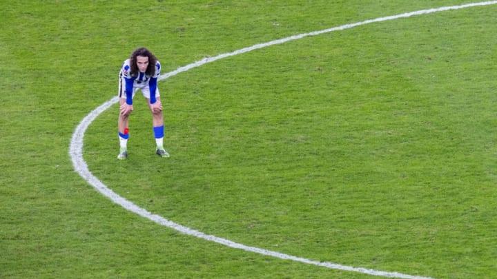 Guendouzi ganz alleine nach der Niederlage gegen Werder Bremen.