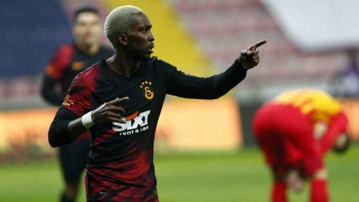 Henry Onyekuru rejoint Valbuena à l'Olympiakos.
