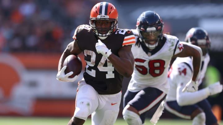 Chicago Bears vs Cleveland Browns odds, point spread, moneyline, over/under and betting trends for NFL Week 3 Game.