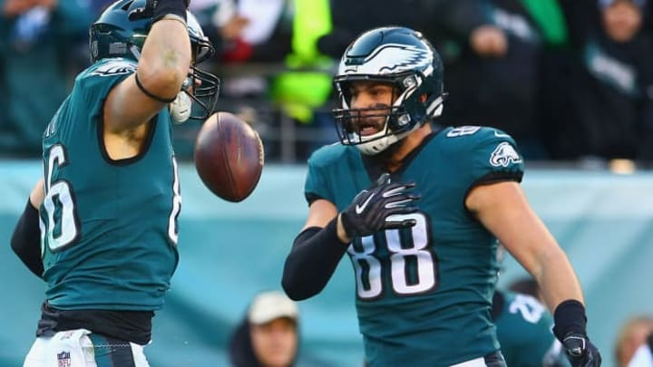 PHILADELPHIA, PA - DECEMBER 23:  Tight end Zach Ertz #86 of the Philadelphia Eagles celebrates his touchdown with tight end Dallas Goedert #88 against the Houston Texans during the fourth quarter at Lincoln Financial Field on December 23, 2018 in Philadelphia, Pennsylvania.  (Photo by Mitchell Leff/Getty Images)
