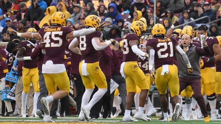 MINNEAPOLIS, MINNESOTA - OCTOBER 05: The Minnesota Gophers celebrate a missed field goal by Illinois Fighting Illini with their head coach P.J. Fleck during the second quarterof the game at TCF Bank Stadium on October 5, 2019 in Minneapolis, Minnesota. (Photo by Hannah Foslien/Getty Images)