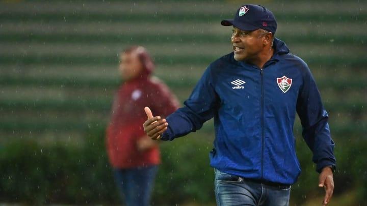 De saída do Flamengo, Ronaldo pode parar no Fluminense. Volante trabalhou com Roger Machado no Bahia.