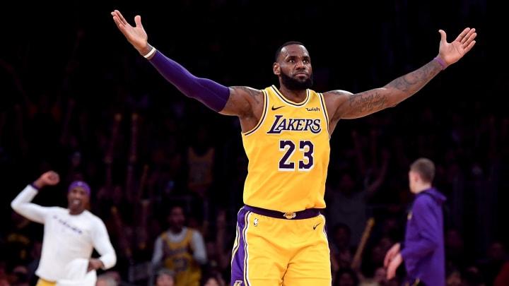 4 Stats That Prove LeBron James is Better Than Michael Jordan