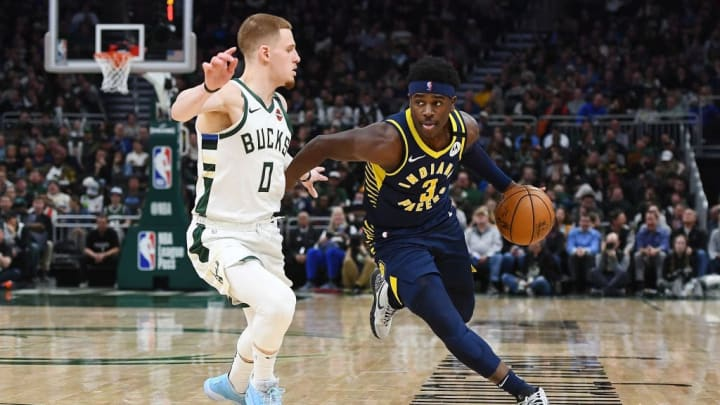 DiVincenzo guarding Pacers' Aaron Holiday