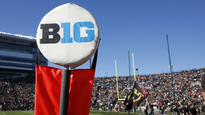 I Almost Passed Out When I Read This Pete Thamel Tweet About the Big Ten