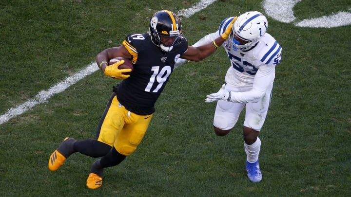 PITTSBURGH, PA - NOVEMBER 03:  JuJu Smith-Schuster #19 of the Pittsburgh Steelers in action against the Indianapolis Colts on November 3, 2019 at Heinz Field in Pittsburgh, Pennsylvania.  (Photo by Justin K. Aller/Getty Images)