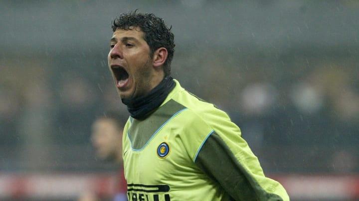 Inter Milan goalkeeper Francesco Toldo s