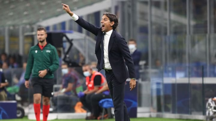 Simone Inzaghi donne ses consignes lors de la rencontre entre l'Inter et le Real Madrid.