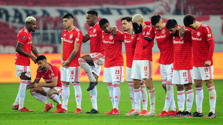 Eliminação na Libertadores causou frustração na torcida vermelha