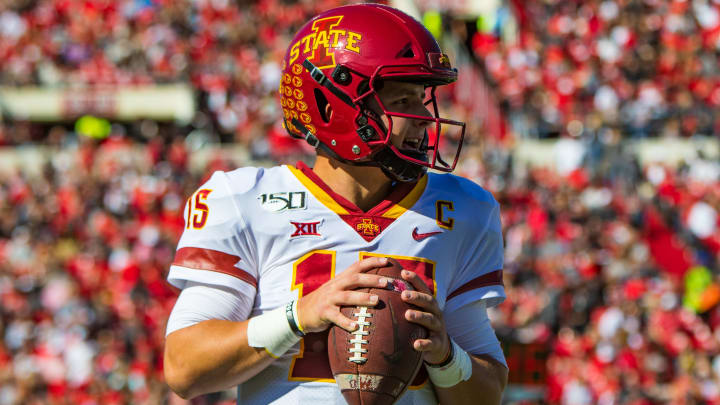 LUBBOCK, TEXAS - OCTOBER 19: Quarterback Brock Purdy #15 of the Iowa State Cyclones takes a practice pass during a timeout during the first half of the college football game against the Texas Tech Red Raiders on October 19, 2019 at Jones AT&T Stadium in Lubbock, Texas. (Photo by John E. Moore III/Getty Images)