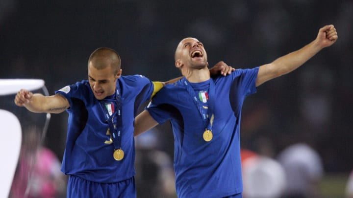 Italian defender Fabio Cannavaro (L) and
