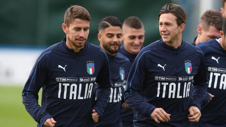 Jorginho and Bernardeschi in a training session with Italy