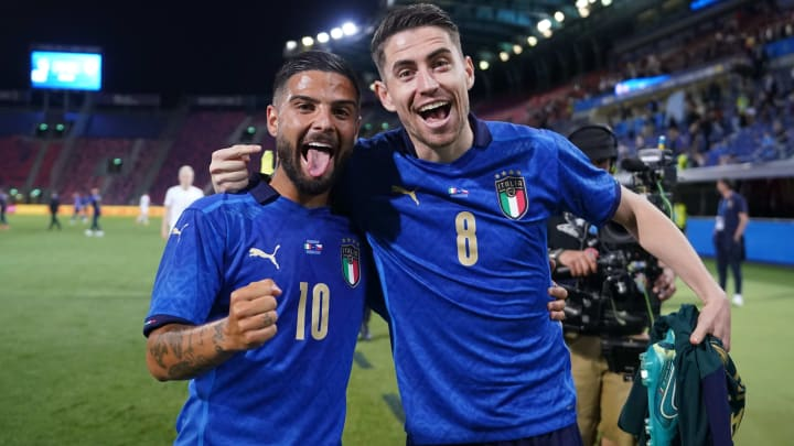 Italy roared to victory over the Czech Republic