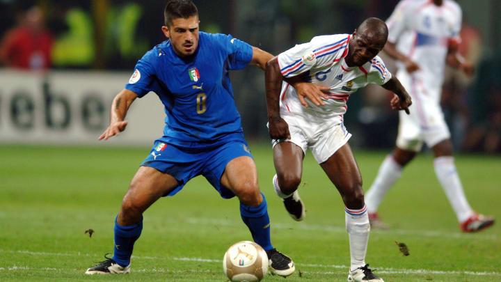 Gennaro Gattuso battles Claude Makélélé in a Euro 2008 qualifier.