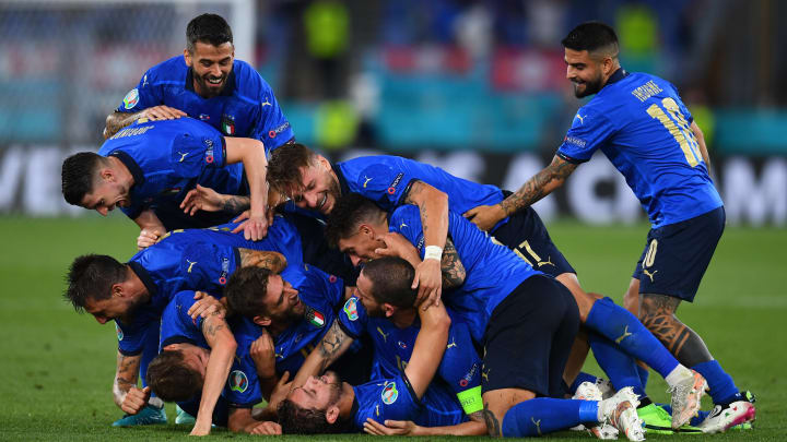 La gioia dell'Italia dopo il goal di Locatelli
