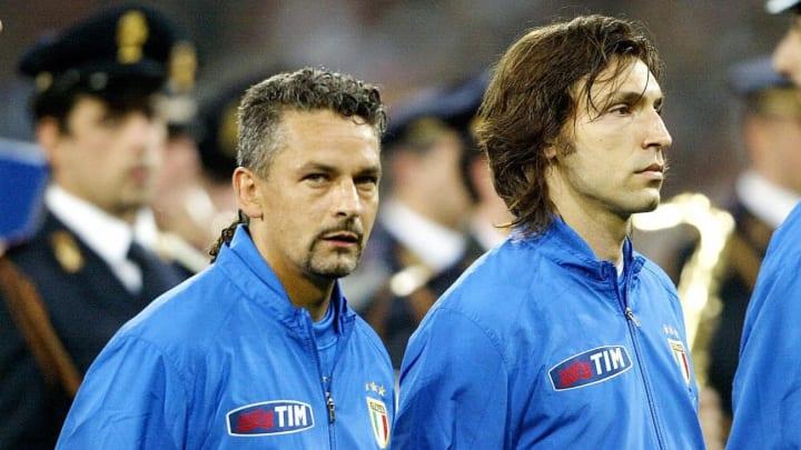 Italy's forward Roberto Baggio (2nd L) l