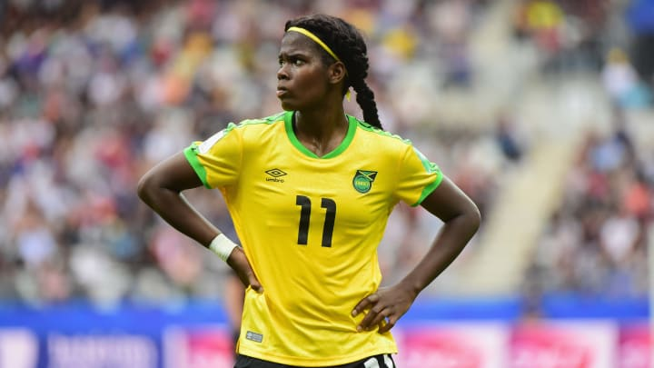 Khadija Shaw becomes latest player to land long-term WSL contract