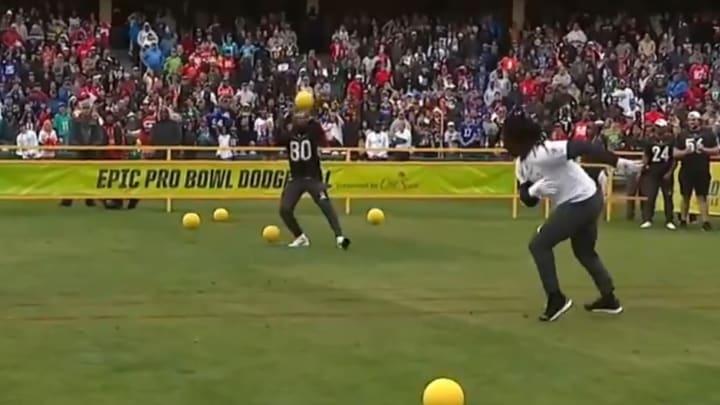 Jarvis Landry eliminates Jaylon Smith in dodgeball at the Pro Bowl Skills Challenge