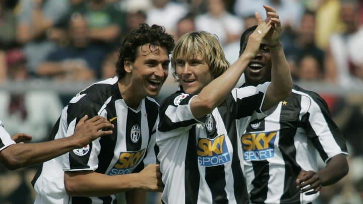 Juventus' midfield Czech Pavel Nedved (C