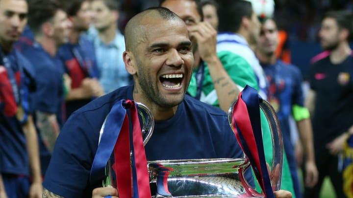El futbolista brasileño desató rumores tras una publicación en redes sociales.