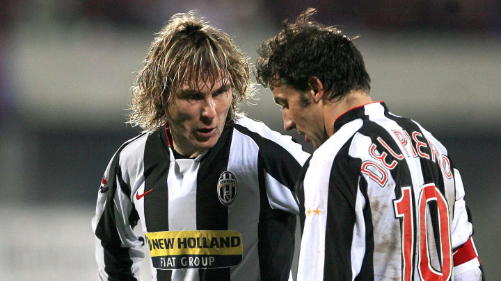 Juventus's players Czech Pavel Nedved (L