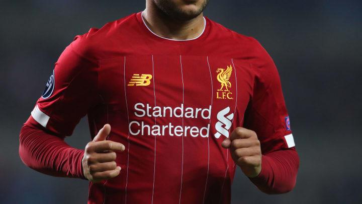 Zapatos espejo de puerta Hizo un contrato  Liverpool Fans Enrage Over 'Cheap-Looking' £70 Nike Stadium Kit for 2020/21  Season