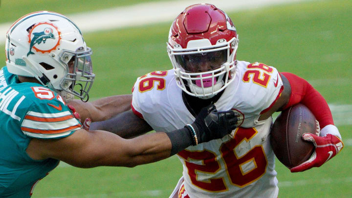 Le Veon Bell Reveals New Approach To Free Agency This Year