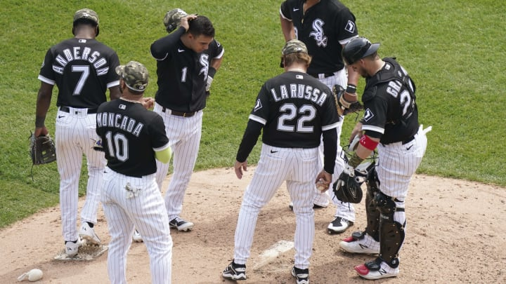 Chicago White Sox players could start turning on manager Tony La Russa after his recent Yermin Mercedes comments.