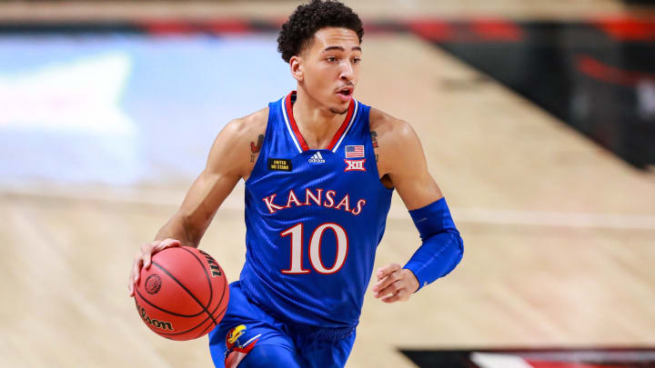 Oklahoma vs Kansas spread, line, odds, predictions, over/under & betting insights for college basketball game.