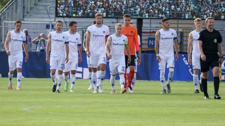 Karlsruher SC v SV Darmstadt 98 - Second Bundesliga