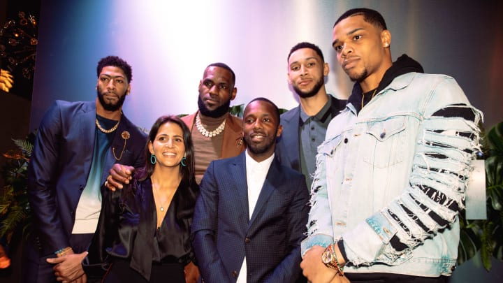 CHARLOTTE, NC - FEBRUARY 16: (L-R) Anthony Davis, Fara Leff,  LeBron James, Rich Paul, Ben Simmons, and Miles Bridges attend the Klutch 2019 All Star Weekend Dinner Presented by Remy Martin and hosted by Klutch Sports Group at 5Church on February 16, 2019 in Charlotte, North Carolina. (Photo by Dominique Oliveto/Getty Images for Klutch Sports Group 2019 All Star Weekend)