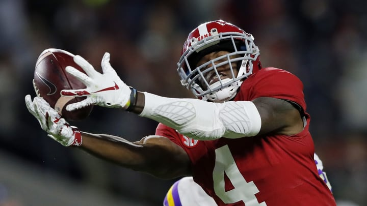 Jerry Jeudy attempting to make a catch during his time at Alabama