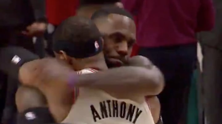 LeBron James and Carmelo Anthony hug ahead of Blazers-Lakers