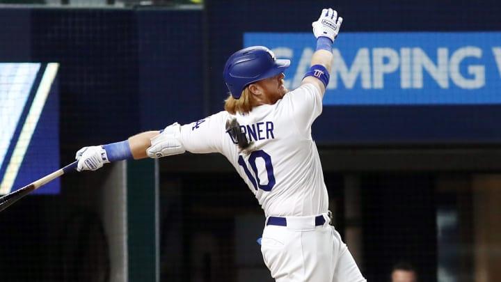 Turner bateó su segundo jonrón de la postemporada de 2020 en la MLB